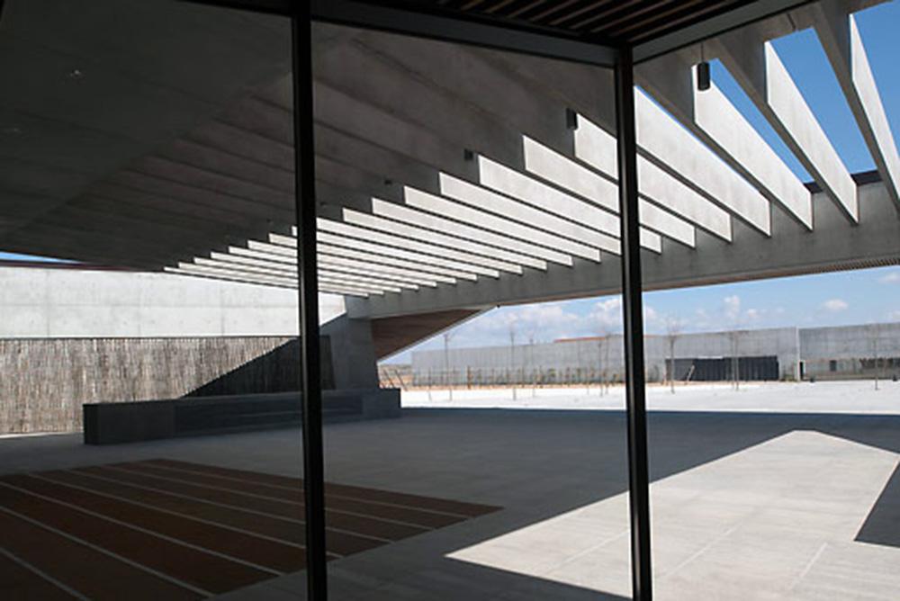 068DO20110321D0018,Architecture,architects,Foster-+-Partners,Bodegas-Portia,exteriors,Bodegas-Portia
